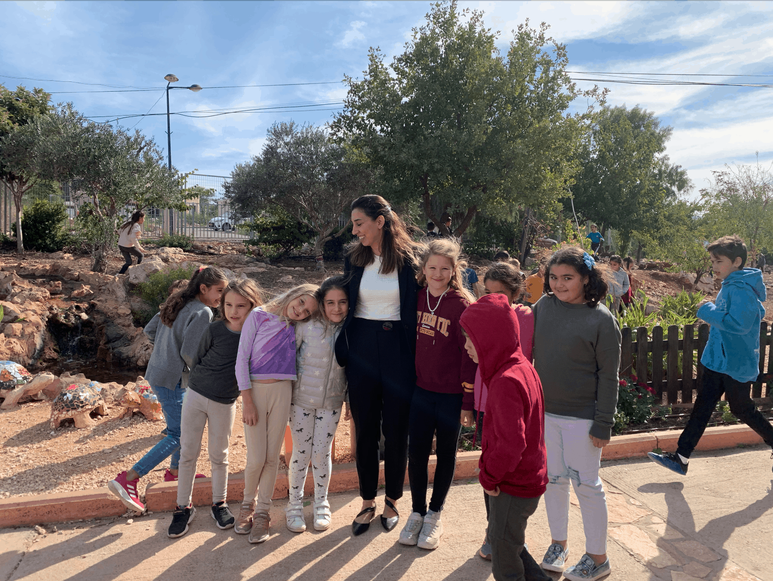 Hand in Hand: Exploring Bilingual, Multicultural PBL
